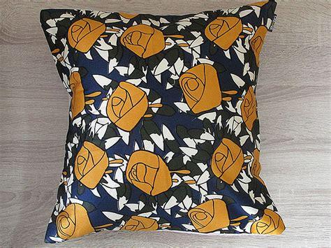 Bantal Yellow 66601033 Murah sarung bantal dekorasi flora yellow toko jual furniture meubel mebel minimalis rotan