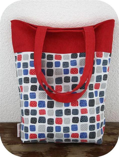reversible tote bag pattern free reversible two colored tote bag free sewing tutorial