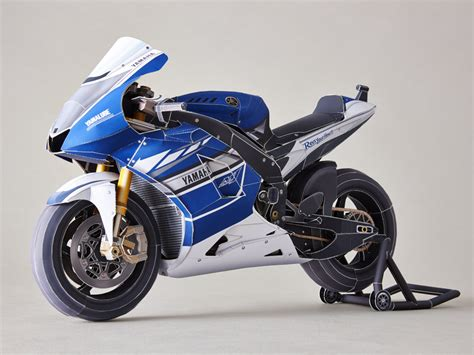 Papercraft Yamaha - motor sports world racing paper crafts origami