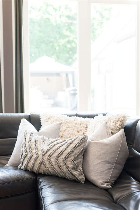decorating with pillows on sofa best 25 sofa pillows ideas on accent pillows