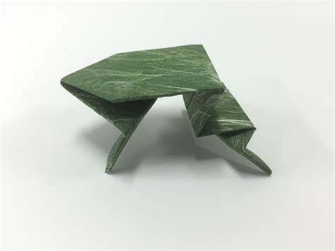 You Origami - how to make an origami frog in 15 easy steps from japan