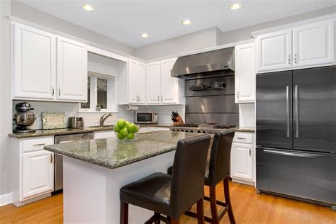 kitchen cabinet refacing chicago kitchen cabinets refinishing in chicago wrigleyville
