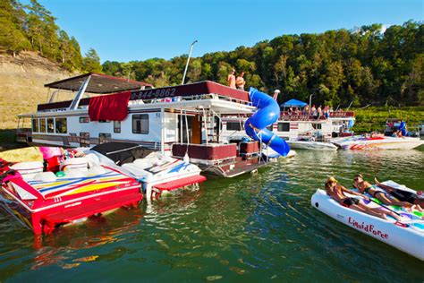 lake cumberland house rentals with boat dock houseboat vacations beaver creek marina