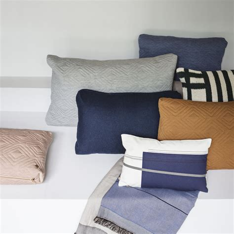 tagesdecke kissen colour block cushion small by ferm living