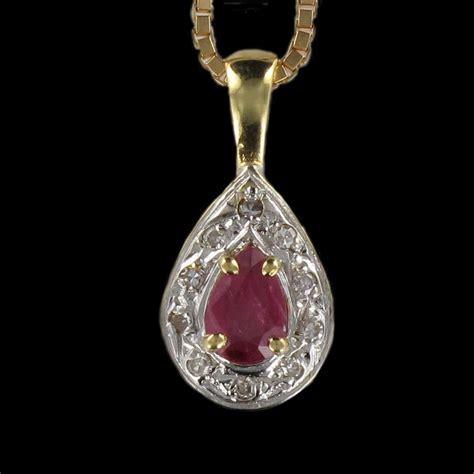 bijoux rubis pendentif pendentif collier rubis diamants en or jaune bijouxbaume