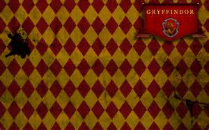 gryffindor colors gryffindor wallpaper by tashab07 on deviantart