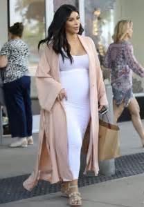 pregnant kim kardashian out shopping in los angeles 08 22 2015