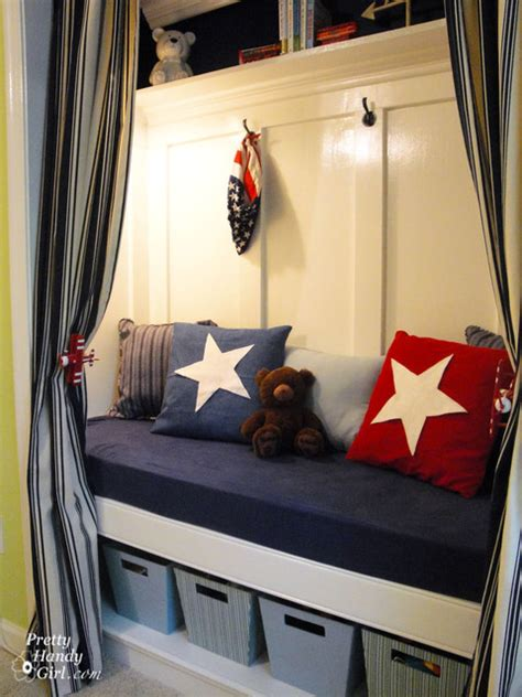 Closet Reading Nook by Patriotic Reading Nook