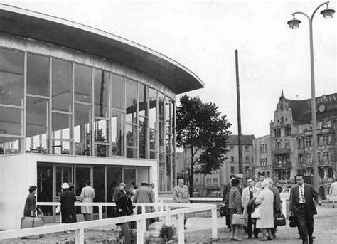 Berlin Tränenpalast berlin dans les livres et la presse bahnhof der tr 228 nen
