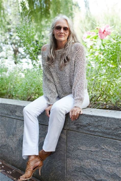 the hottest outfit for a 60 year old lady moda mulheres lindas e elegantes depois dos 50 anos 50