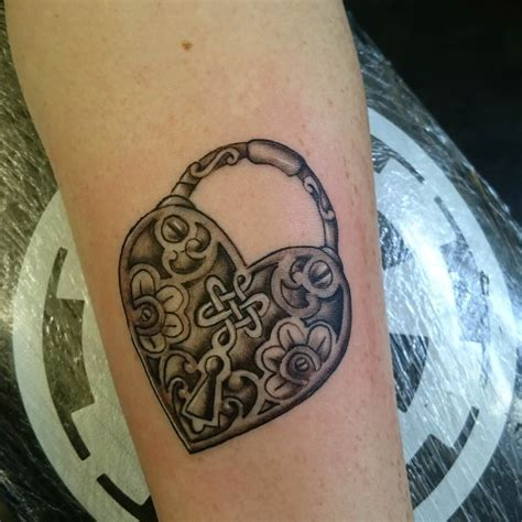 25 heart locket tattoo designs ideas design trends