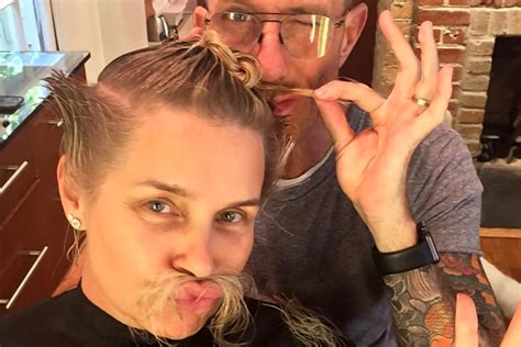 how does yolanda foster do her hair yolanda foster chops her hair off debuts fierce new do