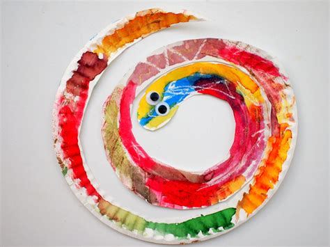 easy and colorful paper plate snakes pink stripey socks