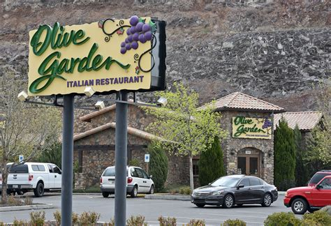 corridor g olive garden need2know buffalo wings supports olive garden supports prescott high school your