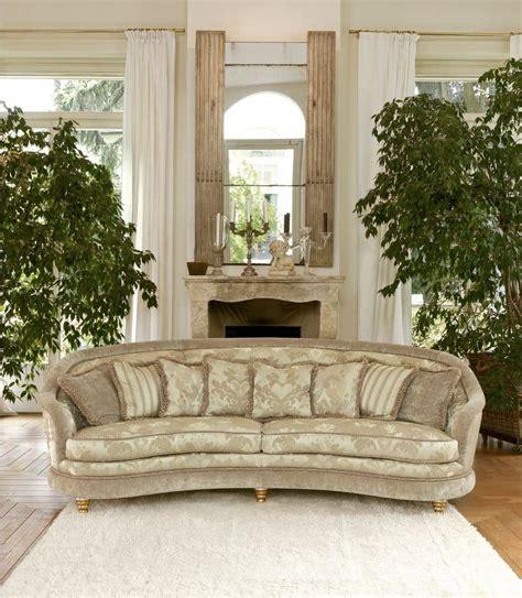 Halbrundes Sofa Im Klassischen Stil by Sofa Im Klassischen Stil Gepolstert Getuftet Idfdesign