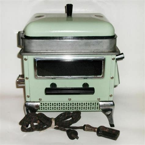 Green Toaster Oven Toaster Ovens Jade Green And Toaster On