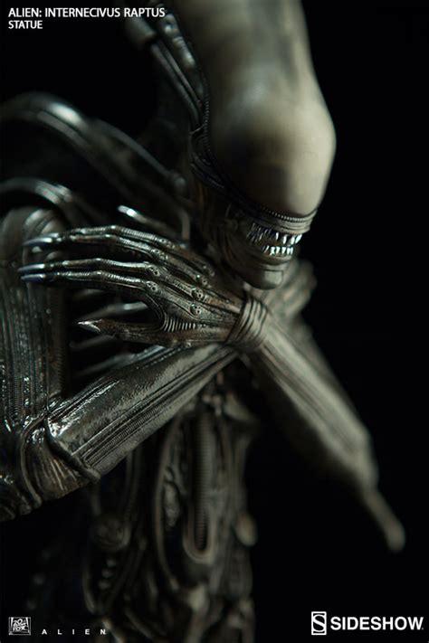 sideshow presents the alien internecivus raptus statue