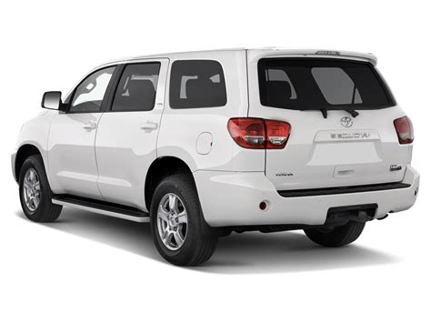 Toyota Seq 2011 Toyota Sequoia Reviews And Rating Motor Trend