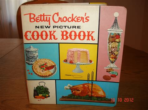 picture cook book vintage betty crocker s new picture cookbook 1st edition
