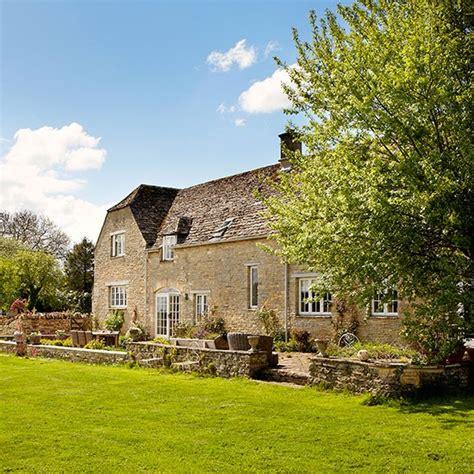 Arts And Crafts For Home Decor casa de pedra reformada direto da inglaterra