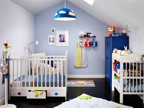 babybett mit schubladen ikea ein kinderzimmer mit gonatt babybett in wei 223 mit