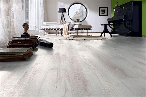 pavimenti finto parquet laminato posa e manutenzione officina parquet como