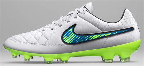 imagenes nike tiempo 2015 nike white 2015 football boots pack shine through
