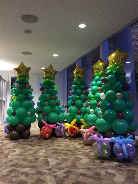 balloon christmas tree that balloons