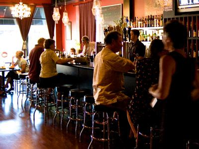 maxie s southern comfort milwaukee onmilwaukee com dining maxie s southern comfort does new orleans style with distinction