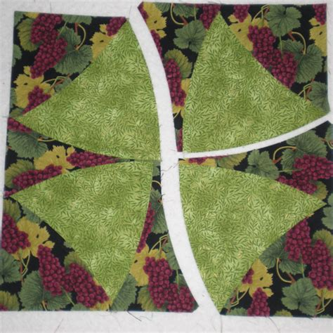 Winding Ways Quilt Template by Debby Kratovil Quilts Fall Leafs Me Happy Hop Giveaways