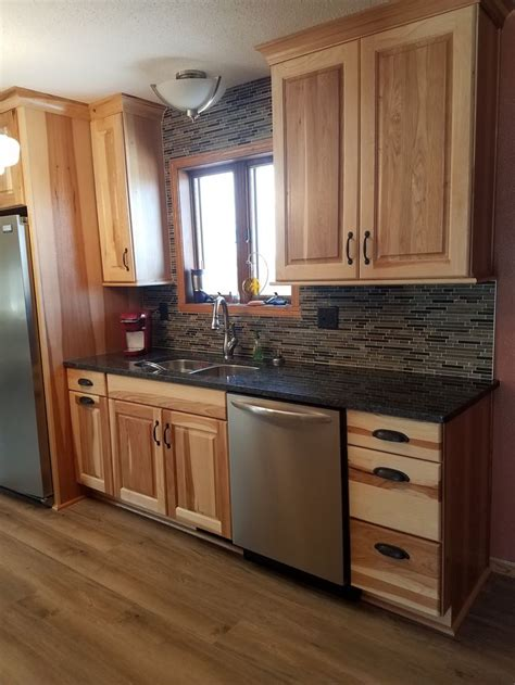 hickory cabinets with granite countertops best 25 hickory cabinets ideas on