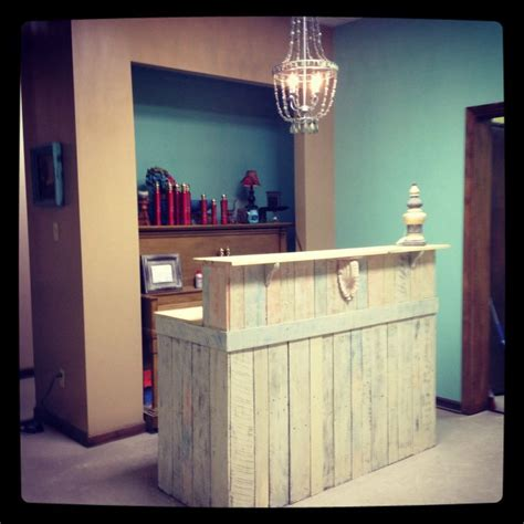 Salon Reception Desk Ikea Pallet Furniture Ideas For A Hair Salon Ideas About Salon Stations On Styling Stations Salon