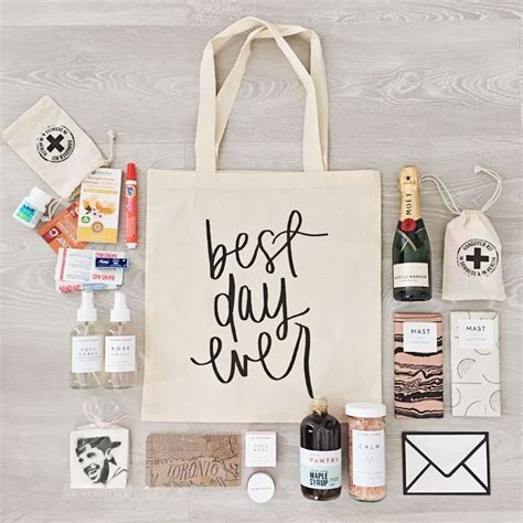 Best 25  Bridesmaid gift bags ideas on Pinterest   Wedding
