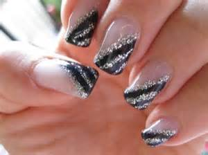 Moreover red and black nail art design on nail art gel bianco e nero