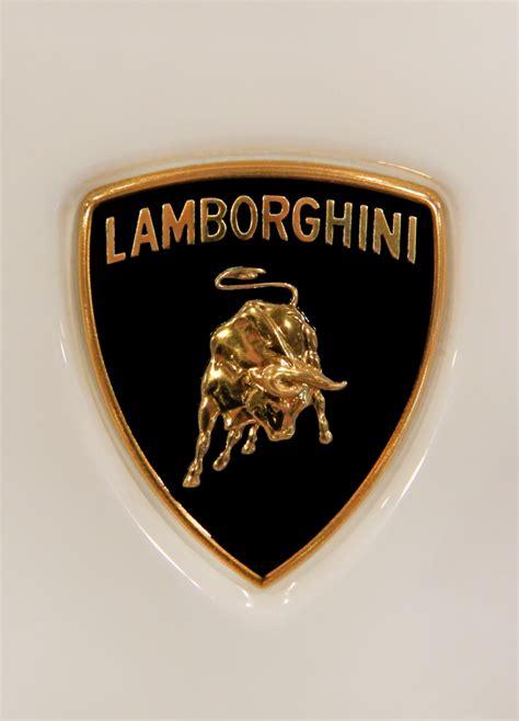 Lamborghini Badges Lamborghini To Launch Drop Top Version Of Aventador Lp 700