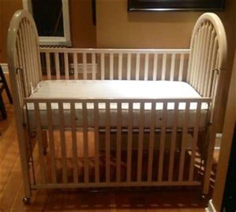 Folks Crib by Folks Crib