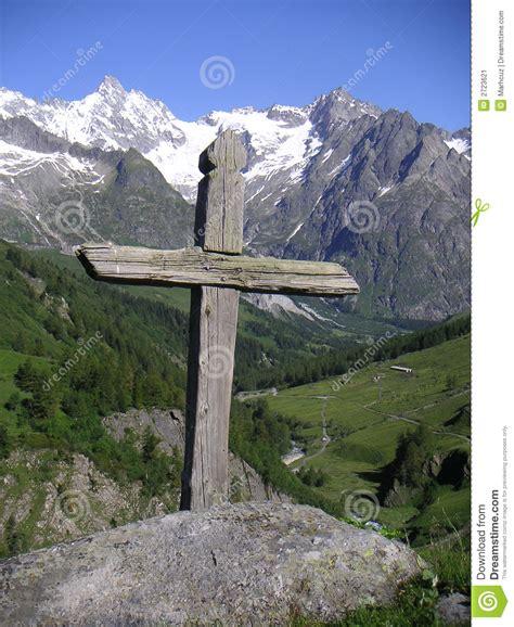 wood cross stock image image 2723621