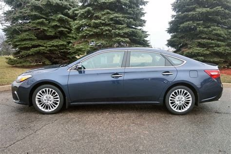 Test Drive: 2016 Toyota Avalon   Page 3 of 3   Autos.ca