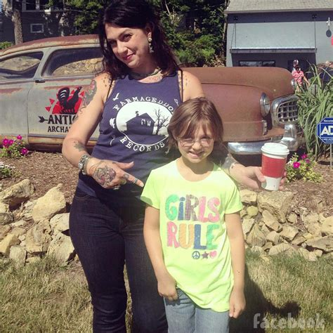 danielle from american pickers her children danielle from american pickers her children