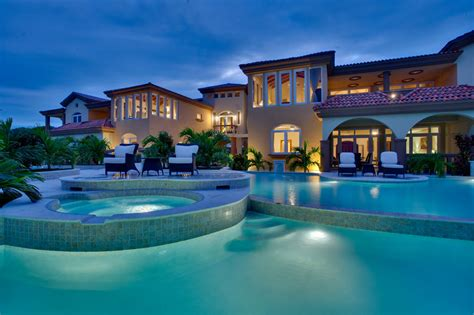 Luxury Homes In Belize