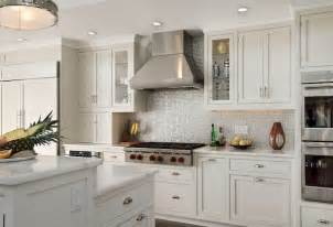 Kitchen Tile Backsplash Ideas With White Cabinets by Beautiful And Refreshing Kitchen Backsplash For White