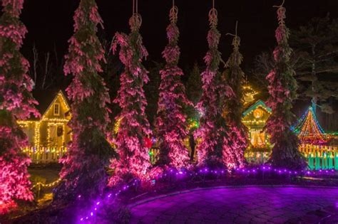 boothbay festival of lights this display in maine will absolutely fill you