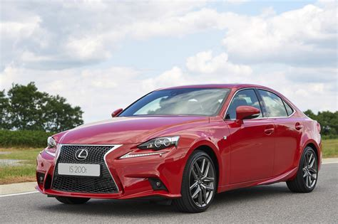 lexus bmw lexus 2015 is 200t lexus turbocharges is goauto