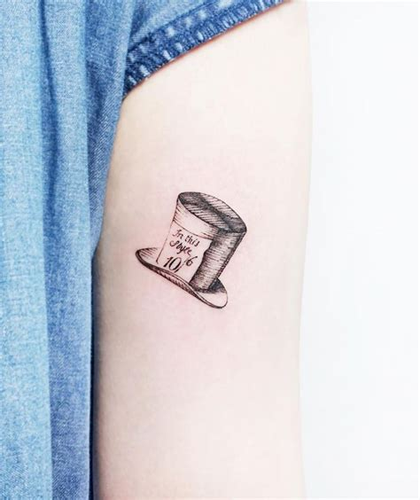 the best small tattoos 100 of the best small tattoos insider