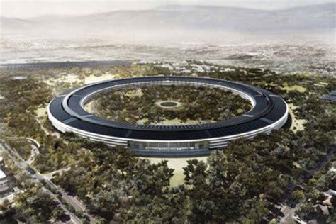 sede della apple apple cus 2 in volo sulla nuova sede della mela
