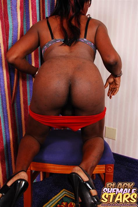 Black Transsexual Woman With Tight Ass Pulls Down Her Red Panties In Front Of You