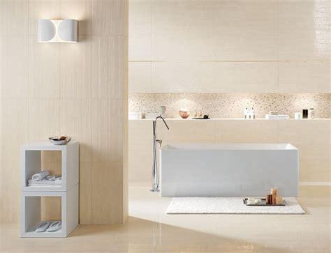 rivestire piastrelle bagno idee rivestimento bagno per ambienti di stile consigli