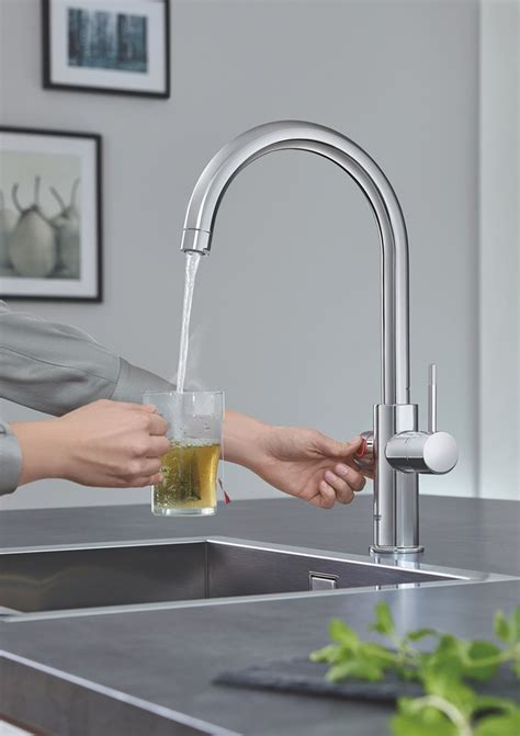 acqua dal rubinetto l acqua bollente direttamente dal rubinetto