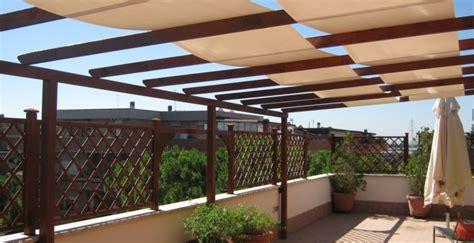 recinzioni per terrazzi terrazzo con grigliati terrazzo con grigliati e fioriere