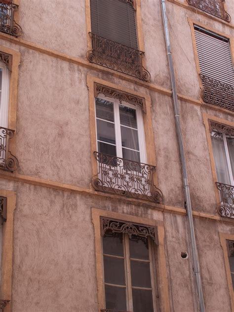 jalousie lyonnaise photographes en rh 244 ne alpes fen 234 tres avec balcon